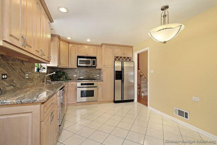 Traditional Light Wood Kitchen Cabinets #173 (Kitchen-Design-Ideas.org)