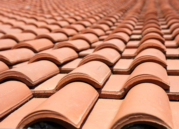 How To Fix A Tile Roof Diychatroom Com Articles Roof Roofer Roof Repair