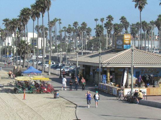 huntington beach pier parking lot | ... de Huntington Beach, Condado de Orange: Board Trailer in Parking lot