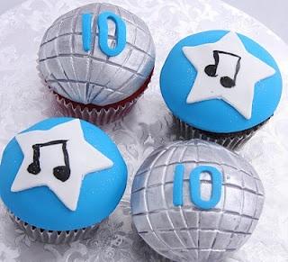 The Crimson Cake Blog: Disco Cupcakes