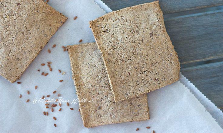 Crackers en brood worden vaak gezoet met suiker en gemaakt van tarwe. Deze boekweit crackers zijn daarom een gezond alternatief! Simpel met 4 ingrediënten.