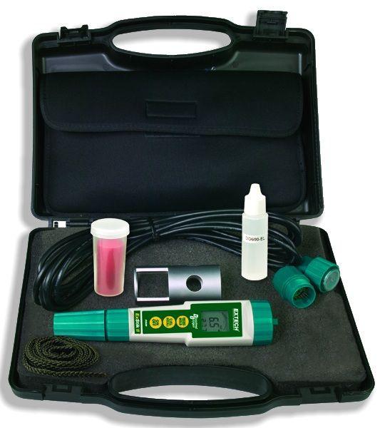 http://www.termometer.se/ExStik-II-set-med-matutrustning-for-lost-syre.html  ExStik II, set med mätutrustning för löst syre - Termometer.se  ExStik II, set mäter löst syre för att bestämma vattenkvalitet i laboratorier, industriella och kommunala avloppsvatten, fiskuppfödning och miljö-testning. Den har automatisk temperaturkompensering och ersättning för salthalt och altitud - alla faktorer som direkt påverkar avläsningar löst syre i vatten. Syre kan läsas i antingen mg / l eller % syre...