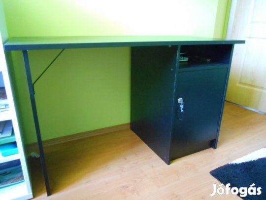 Eladó Ikeás íróasztal: Korábban az Ikeában vásárolt, jó állapotú íróasztal olcsón eladó. Méretei: 118x58 cm, magassága 72 cm  A…