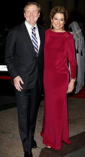 Máxima's best colors - Máxima's best look for formal evening dress. Great picture of both of them - high profile look