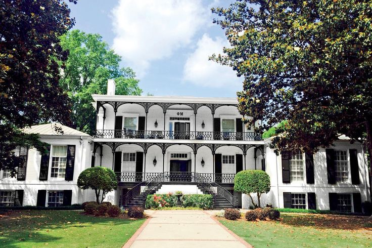 Phi Mu - The South's Most Beautiful Sorority Houses - Southernliving. University of Georgia