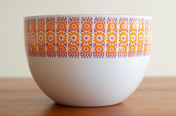 Rare Kaj Franck Mid Century Mod Daisy Enamel Bowl - Arabia Finland. $185.00, via Etsy.