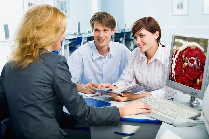 Konsultant ślubny, przeczytajcie, dlaczego warto go mieć: http://www.winsa.pl/pl,blog,74/konsultant-slubny-niezastapiony-w-dniu-slubu,d73.html  Źródło: www.weddster.net