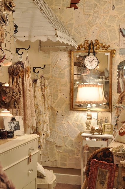 262 best vintage antique booths images on pinterest craft booth displays display ideas and. Black Bedroom Furniture Sets. Home Design Ideas