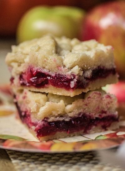 Cranberry Apple Shortbread Bars - easy enough as a last minute holiday dessert!