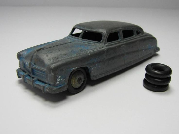 COLLECTIBLE: DIE CAST Barn Find 1930 s HUDSON LOW RIDER SEDAN DINKY Toy Car