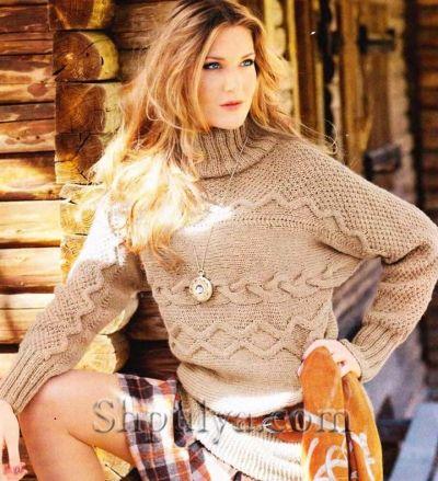 Вязаный поперек рельефный пуловер