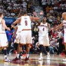 LeBron scores 27 Cavs make 20 3s in Game 2 win over Pistons (Yahoo Sports)