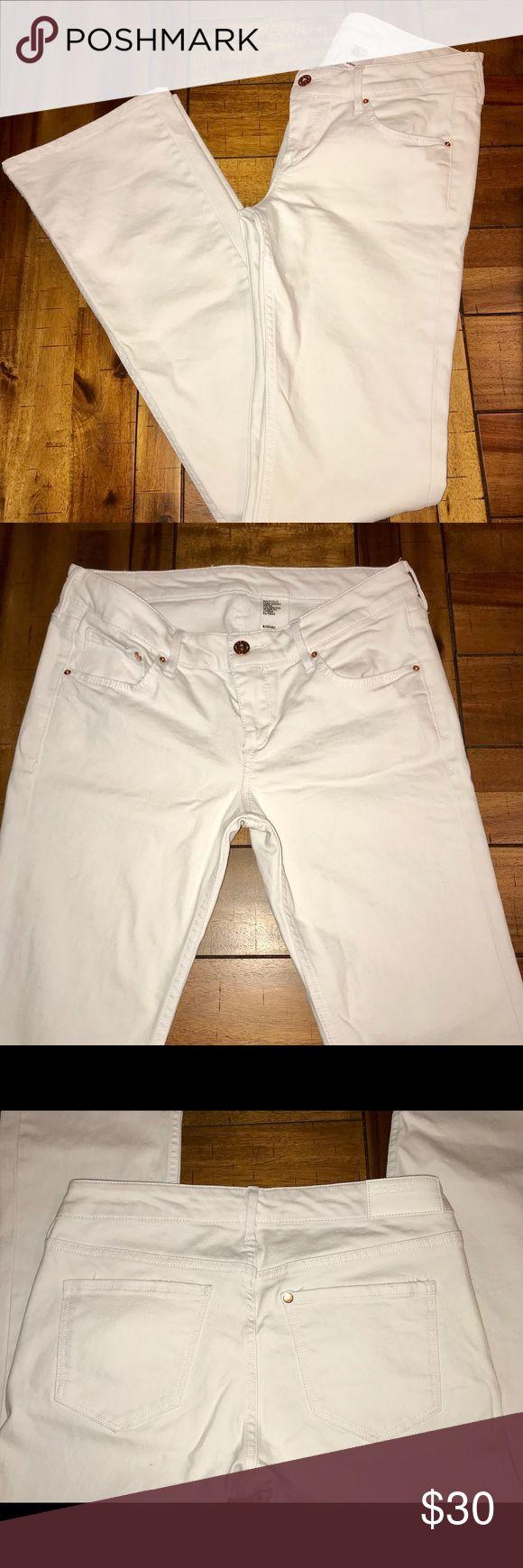 "H&M bootcut Jean sz 29 White bootcut Jean. Size 29x34. Bootcut opening appx 8.5"" across. Worn twice, like new. Pants"