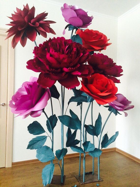 Best 25 big paper flowers ideas on pinterest giant for Flower decoration made of paper
