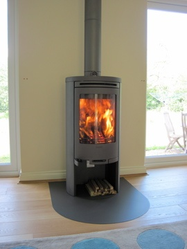 Contura 510 in charcoal. Poujoulat flue and Contura 'tongue' hearth sprayed in matching colour.
