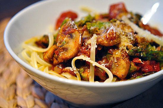 Spicy Bacon PastaBacon Spaghetti, Spicy Bacon, Pasta Dishes, Easy Dinners, Food, Fast Easy Dinner, Healthy Recipe, Bacon Recipe, Bacon Pasta