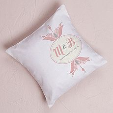 """Notable"" Personalized Ring Pillow with Double Floral Monogram $39.98 CAD // 3 colors to choose from  // Buy online here www.mariagemontreal.com // #weddingmtl #mariagemtl #classic #monogram"