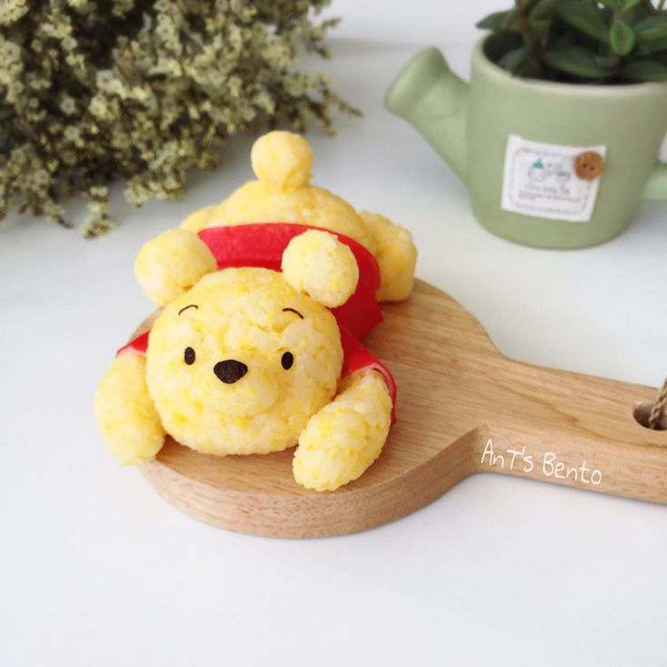 Winnie the Pooh rice art by AnT's Bento (@antsbento)