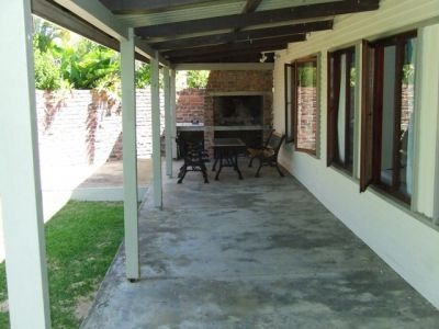 Holiday Rental - HR17Pat(151  South Africa, Western Cape, Struisbaai  ZAR 500 - ZAR 800 | 7 Sleeps | 3 Bedrooms | 2 Baths  Nice 3 bedroom holiday house. Close to main swimming beach.
