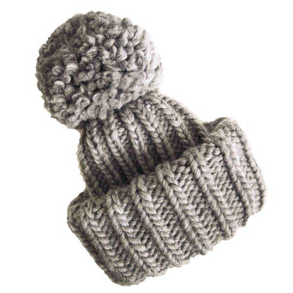 Эта чудесная объемная шапка с двойным отворотом и огромным помпоном была связана для Екатерины из Самары. Это мега-тренд, который согреет в любые морозы и сделает стильным любой образ! #knitting #вязание #frautag_knittingfamily