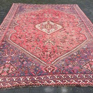 Large Shiraz Quashqai Medalion Carpet / Rug - Decorative Collective