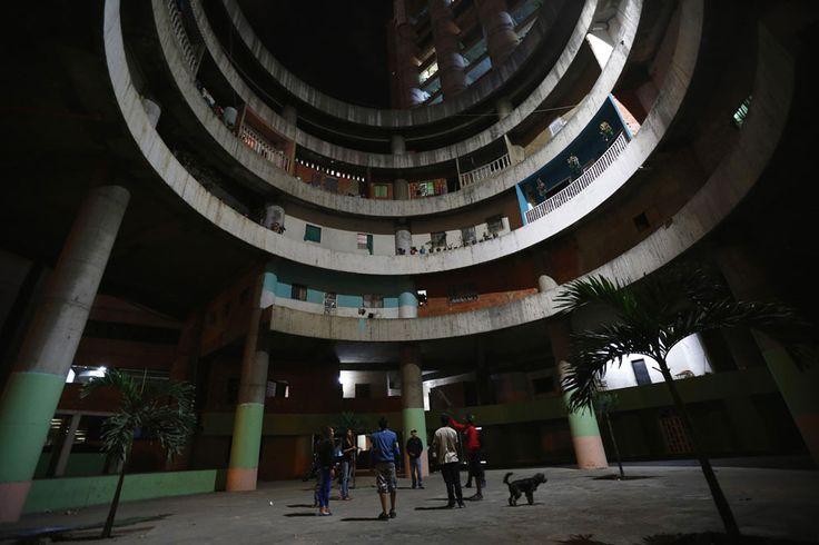 Venezuela Begins Relocation of Thousands Living in Torre de David, the World's Tallest Slum