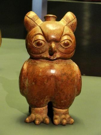 Pre-columbian owl (Museum of Pre-Columbian Art/Museo Chileno de Arte Precolombiano).