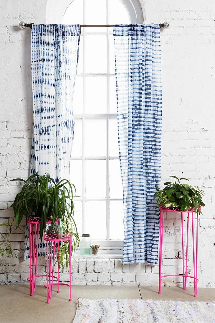 Plum & Bow Wire Plant Stand - Set Of 3 #urbanoutfitters