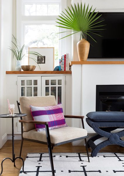 Hot Seat - A Stationery Designer's Cheery Austin Bungalow - Photos
