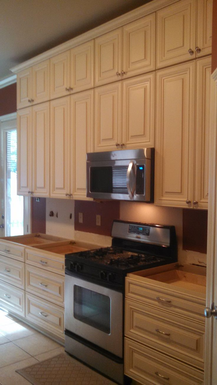 Traditional kitchen seattle by canyon creek cabinet company - 9 1 2 High Cabinets Turns A Common Kitchen Into The Focal Point Of