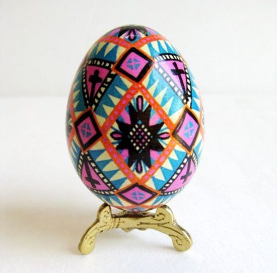 Ukrainian Easter Eggs - buy them on Etsy or make your own with Hearthsong - See more at SmallforBig.com #easter #eggs #diy #crafts