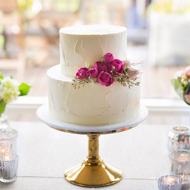 images of 2 tiered wedding cakes best 25 two tier cake ideas on two tier cake 16321