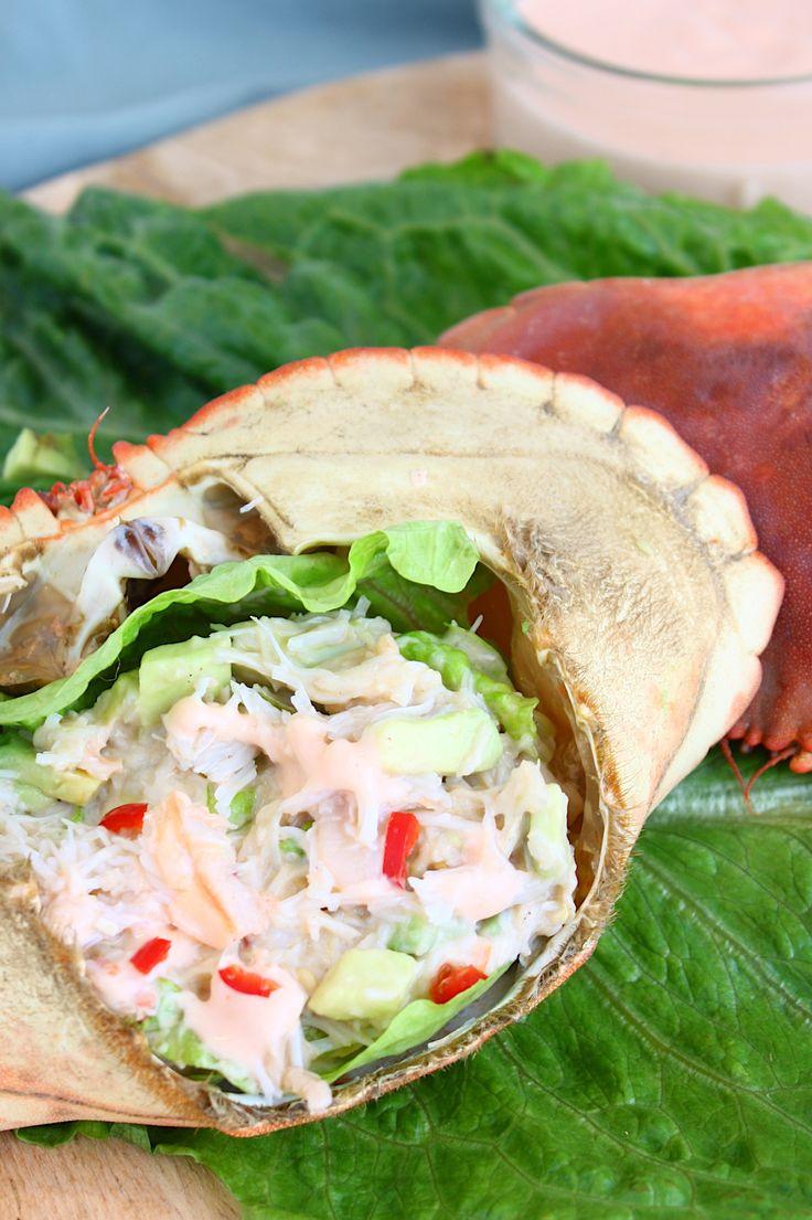 Met het vlees van de Noordzeekrab maak je een zalige krabsalade met avocado. Hier vind je het recept wat je kunt serveren als voorgerecht of hapje // Francesca Kookt