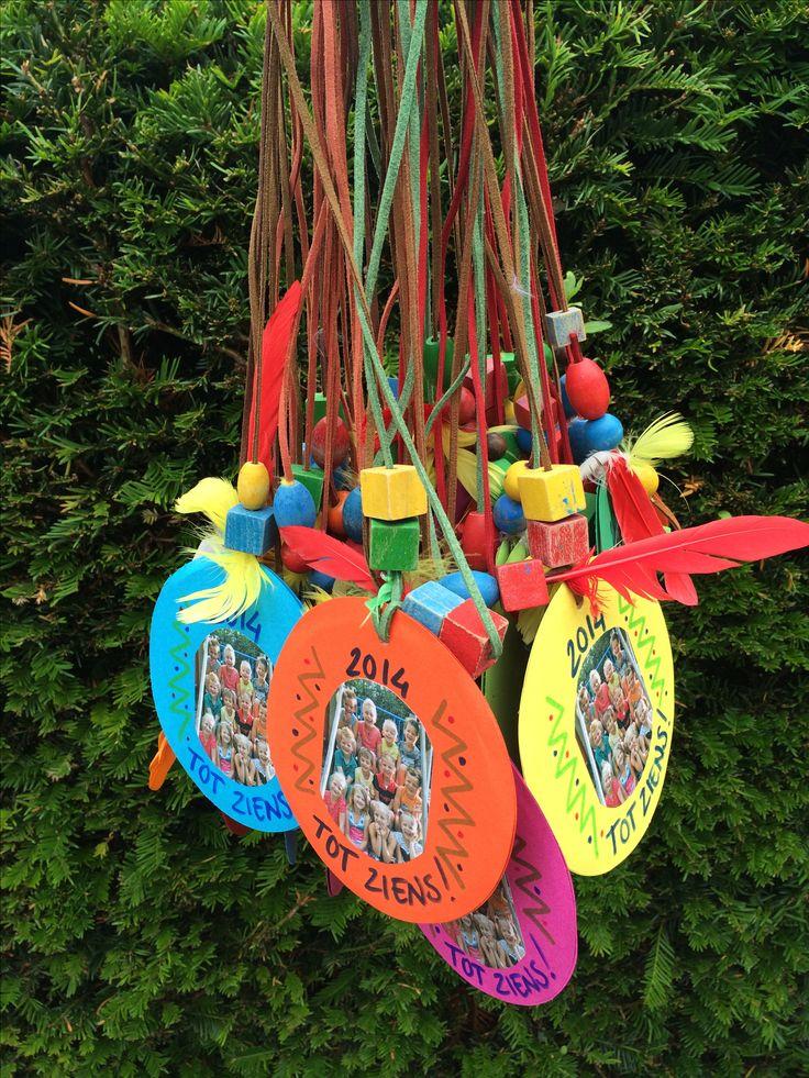 Afscheids amulet indianenfeest