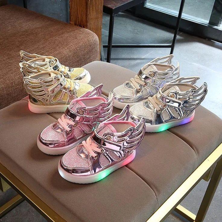 2017 Novo Mais Barato Primavera Outono Inverno Crianças Sapatilhas crianças Sapatos Chaussure Enfant Sapatos asas Meninas Com Luz LED