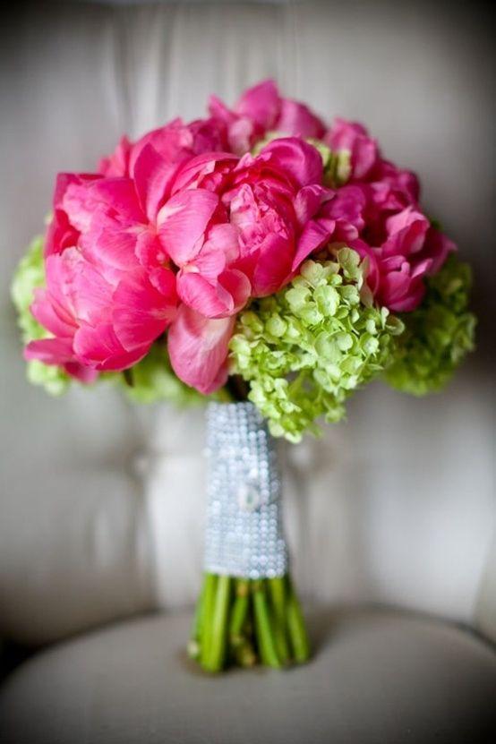 Bouquet de novia en fucsia y verde