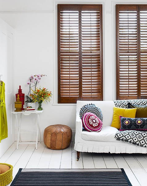 Squeezed Daily-Tropical Living: White Painted Floors Boards