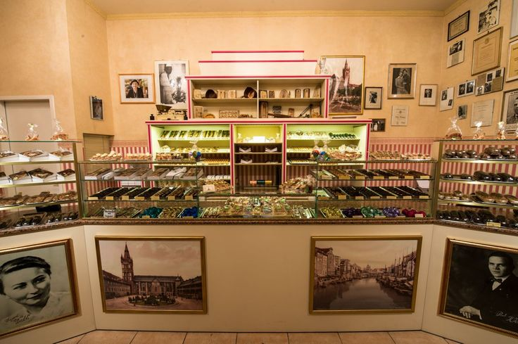 BERLIN EATS Wald Königsberger Marzipan - Here marzipan is made handcrafted since 1947.