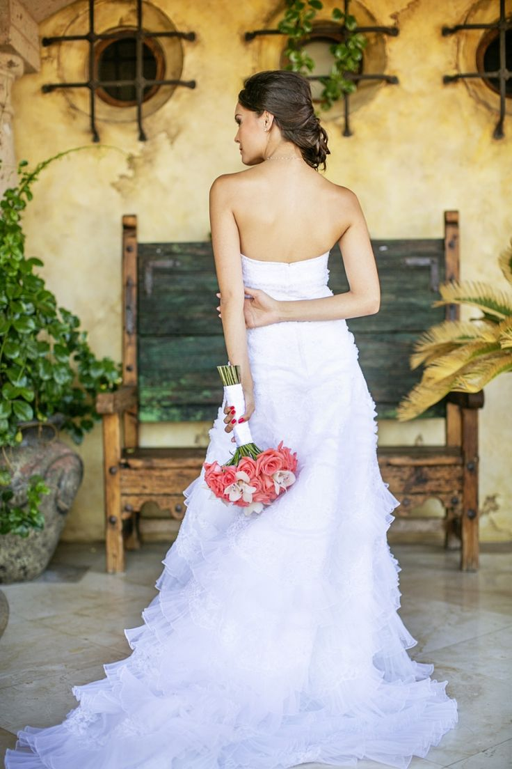 Perfect bridal pose! #wedding #photography