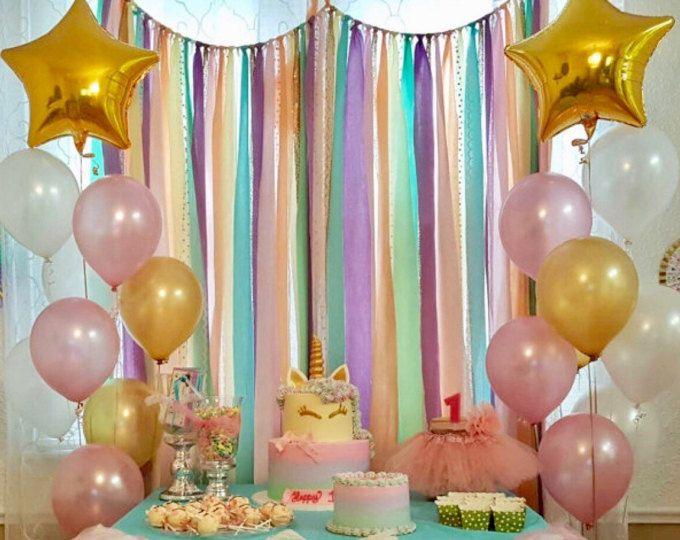Pasteles de unicornio y oro lentejuelas guirnalda de telón de fondo - decoración de fiesta de cumpleaños del arco iris... Tela, lentejuelas y encaje