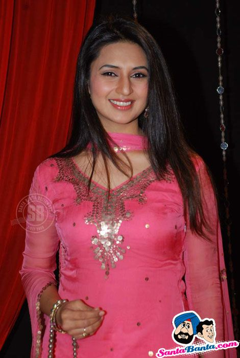 Divyanka Tripathi at Zee Rishtey Awards