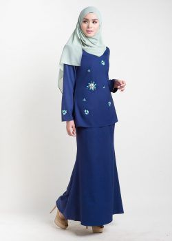 Baju kurung moden simple -- adelia biru/blue front side 2. Adelia datang dengan manik menghiasi top
