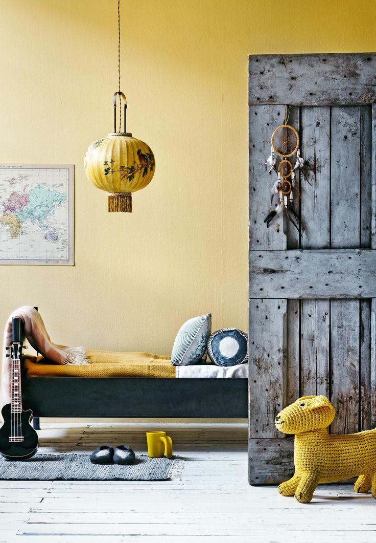 Yellow nursery | Styling Leonie Mooren, Valerie van der Werff | Photographer Ernie Enkelaar | vtwonen May 2015