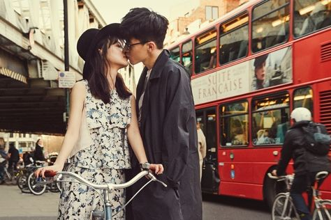 잉꼬 커플 윤승아와 김무열의 런던 여행기