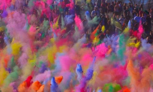 Have a memorable #Holi with some #tips here!
