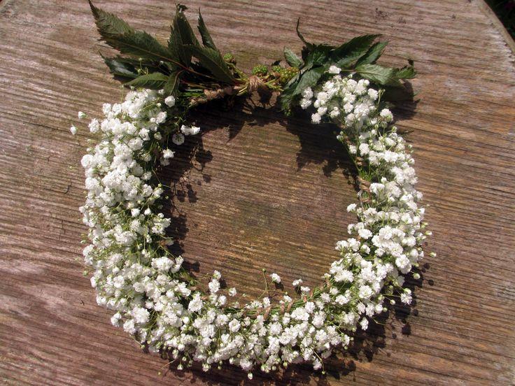 A Bridesmaid's Gypsophilia head circlet