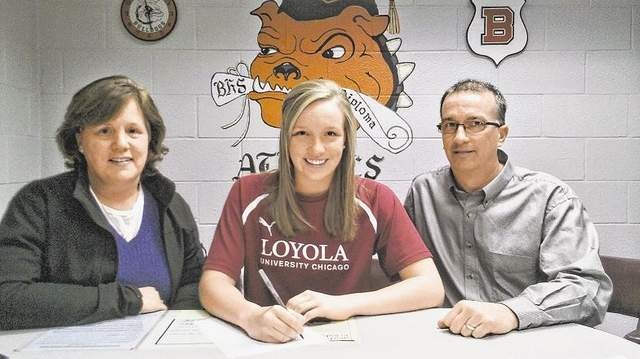 Four 'Dogs sign to play soccer