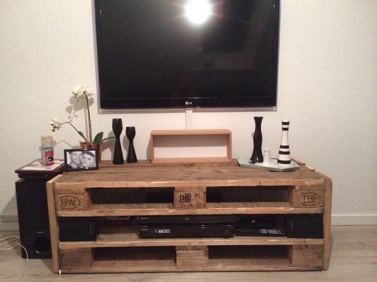 hjemmelavet tv bord g r det selv pinterest tvs. Black Bedroom Furniture Sets. Home Design Ideas