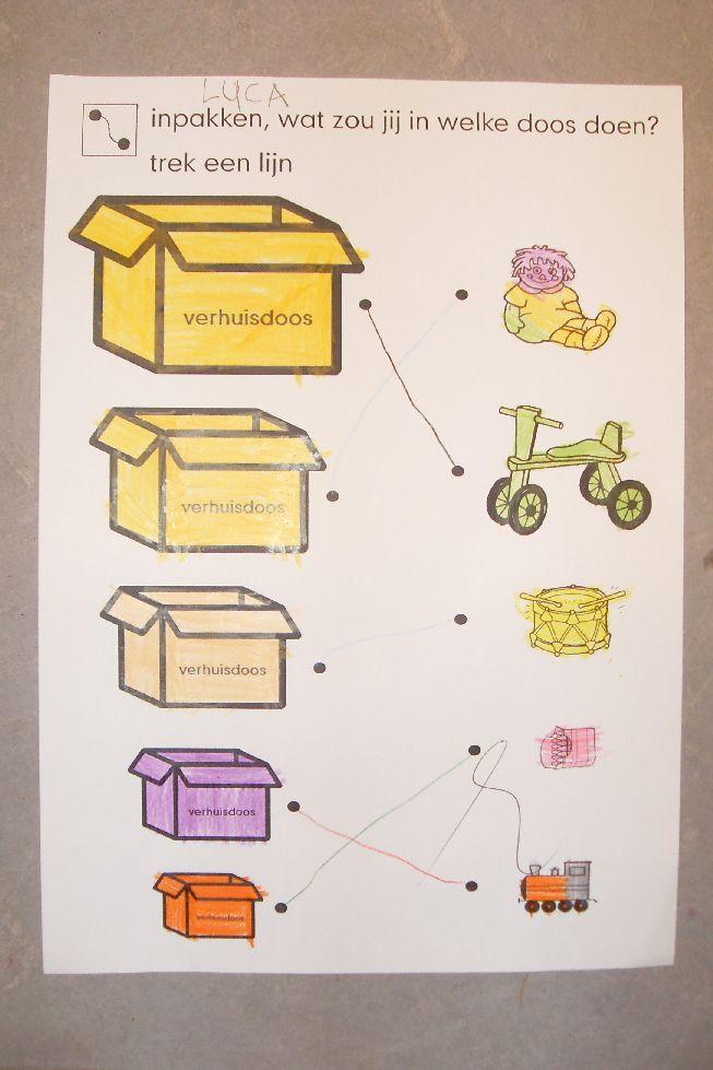 Website met thema verhuizen; klein/groot; welk voorwerp in welke doos