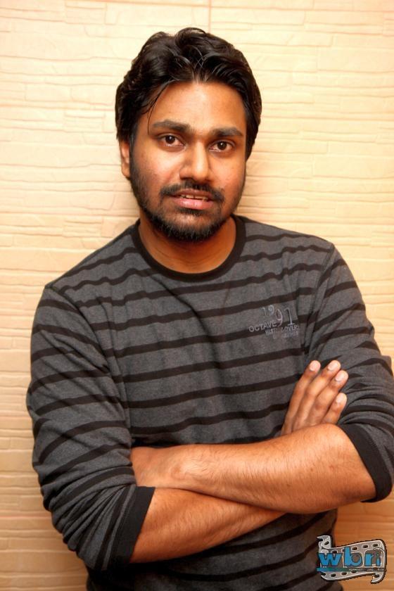 Interview: Music Director Mithoon - http://www.washingtonbanglaradio.com/content/54725713-interview-music-director-mithoon-i-guarantee-tum-hi-ho-not-inspired-song  Mithoon composed the music for 3 songs in the film - Tum Hi Ho, Meri Aashiqui and a Theme song. These are some of the few highlights from the conversation with Mithoon.